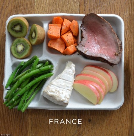 25C3DF2500000578-2957301-Brie_green_beans_carrot_rare_steak_and_pudding_of_kiwi_fruit_and-a-4_1424244473531