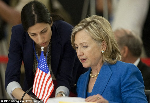 2BF9EF4300000578-3229344-Huma_Abedin_at_left_with_then_Secretary_of_State_Hillary_Clinton-m-36_1441896900047
