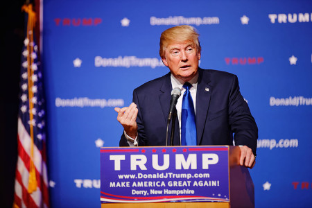 800px-Mr_Donald_Trump_New_Hampshire_Town_Hall_on_August_19th,_2015_at_Pinkerton_Academy_Derry,_NH_by_Michael_Vadon_06